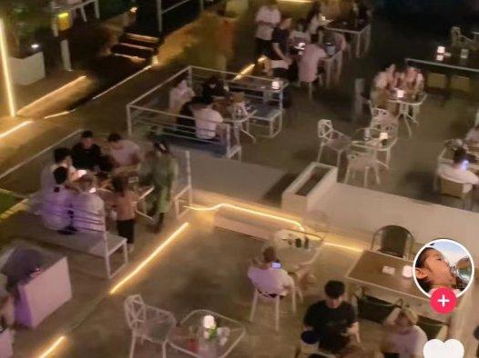 无顶路边酒吧在大小城市都能开,日入过千没问题的小项目